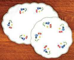 Alpine Flowers - White Table Runner/long